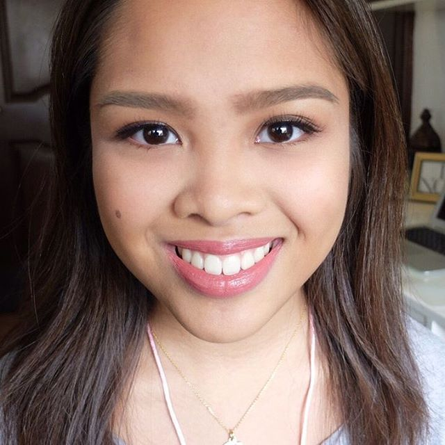 Soft and natural look for Isabel's high school graduation pictorial November 2016
